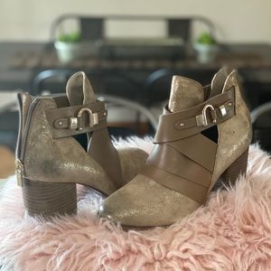 Cute boots, dress up or down!  New worn maybe 2x!